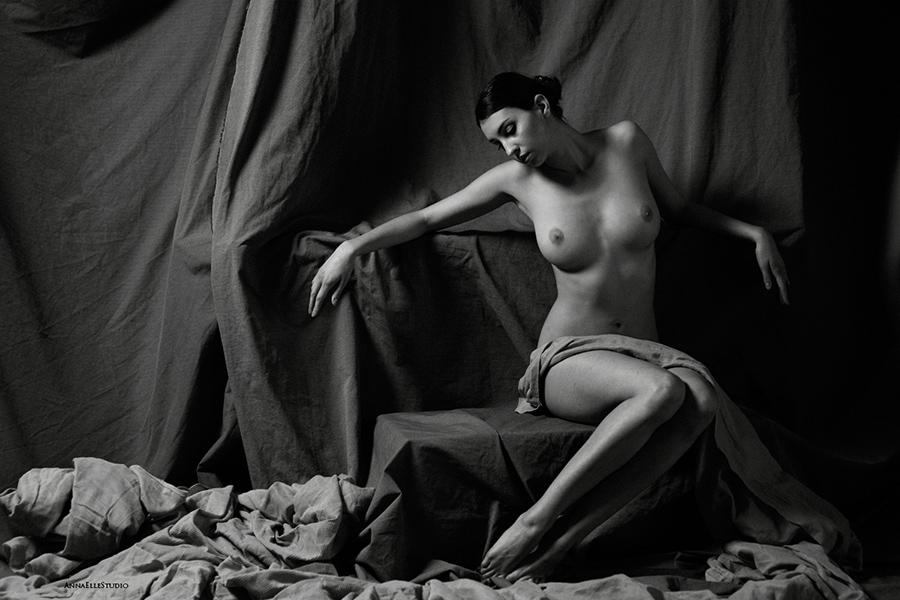 art nude model shot by Anna ElleStudio